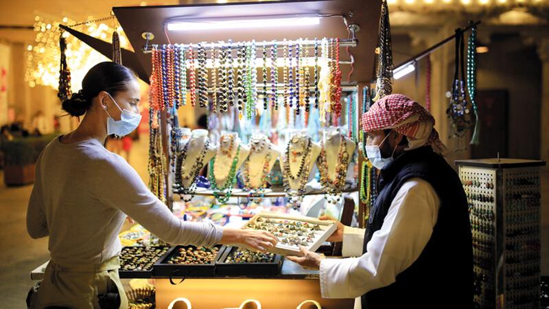 سوق مهرجان دبي للتسوّق في السيف يحفل بالتجارب المتنوّعة. من المصدر
