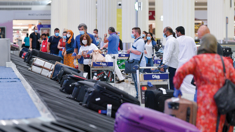 مطارات دبي شهدت زيادة في أعداد المسافرين منذ عودة الحركة الجوية بيوليو الماضي. أرشيفية