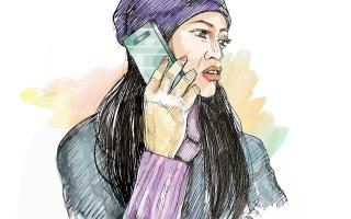 الصورة: 10 آلاف درهم تعويضاً لامرأة سبتها أخرى في الهاتف