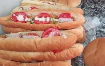 """الصورة: مصر: شاب """"مديون"""" يقدم وجبات مجانية لمرضى كورونا"""