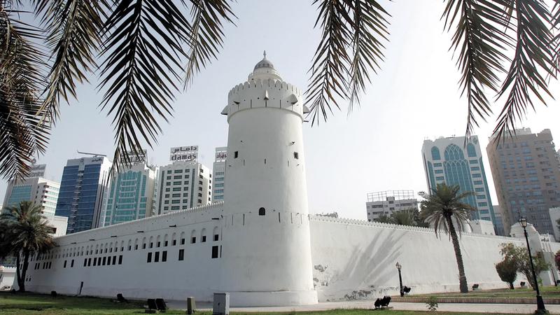 قصر الحصن شاهد حي على تاريخ أبوظبي. أرشيفية