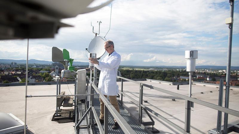 معايير موحدة عالمياً لرصد درجات الحرارة تعتمد على أجهزة محددة. أرشيفية