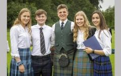 الصورة: الإغلاق يجدّد النقاش حول الزي المدرسي في اسكتلندا