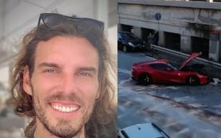 """الصورة: بالصور.. حارس إيطالي """"مبتسما"""" بعد تحطم سيارته """"الفيراري"""" في """"محطة غسيل"""""""