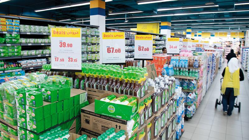 الفترة الأخيرة شهدت عروضاً سعرية بخصومات مؤقتة تصل إلى 40%.  تصوير: أحمد عرديتي
