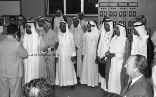 الصورة: الكهرباء في الإمارات.. من بساطة البداية إلى أحدث التقنيات