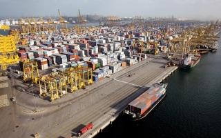 الصورة: تجارة الإمارات غير النفطية تتجاوز تريليون درهم خلال 9 أشهر