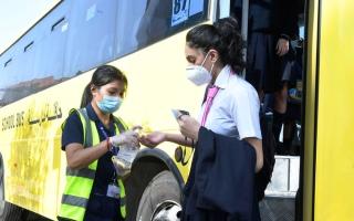 الصورة: تعزيز الإجراءات الاحترازية بحافلات النقل المدرسي في دبي