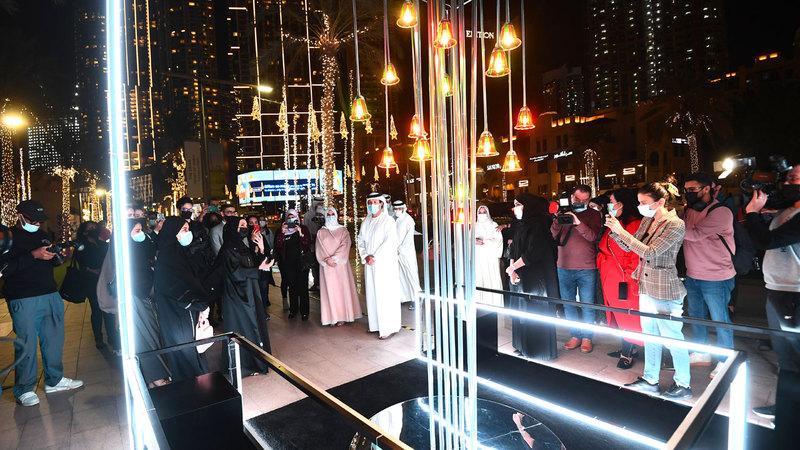 شارك في تنفيذ الأعمال سبعة فنانين من الإماراتيين والمقيمين.