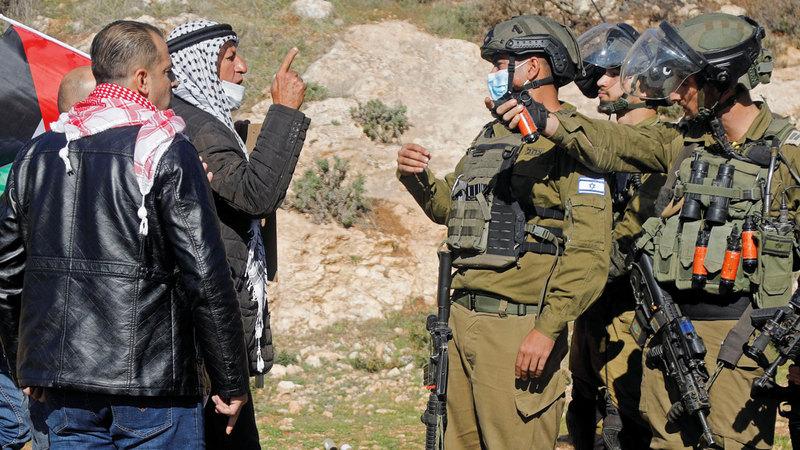 احتجاجات فلسطينية ضد المستوطنات الإسرائيلية: شرعنة الاستيطان شجعت الإسرائيليين على ضم مزيد من الأراضي الفلسطينية في الضفة الغربية.  رويترز
