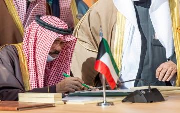 الصورة: أمير الكويت يقبل استقالة الحكومة مع استمرارها في تصريف الأعمال