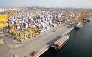 الصورة: الصادرات الإماراتية تصل إلى 230 سوقاً عالمية مع نهاية سبتمبر 2020