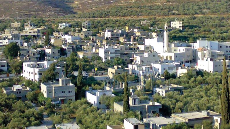 الريف الفلسطيني في قرية مادما مستهدف من الاستيطان.  الإمارات اليوم
