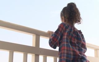 شرطة أبوظبي تدعو الأسر لتأمين النوافذ والشرفات لحماية الأطفال من السقوط