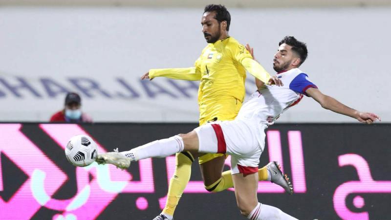الشارقة أقرب الفرق للفوز بلقب دوري الخليج العربي.  تصوير: أسامة أبوغانم