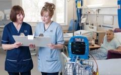 الصورة: نصف أطباء اسكتلندا يريدون الاستقالة بسبب ضغوط العمل