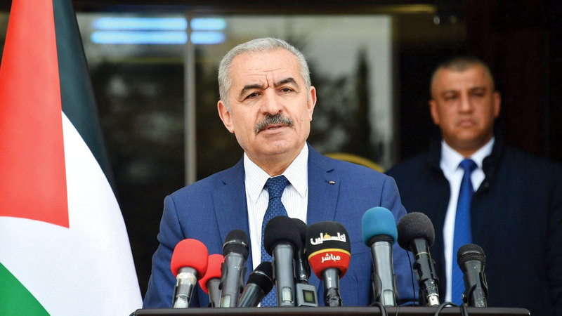اشتيه قال إنه يأمل أن يرى عباس مرشحاً في الانتخابات المقبلة بالرغم من كبر سنه. ارشيفية