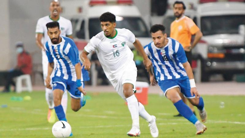 فريق الإمارات يتصدر دوري الدرجة الأولى.  من المصدر