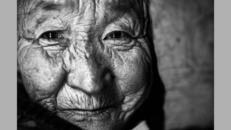 إحدى النساء الناجيات. أرشيفية