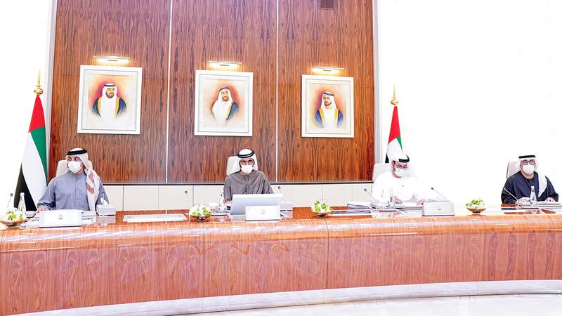 محمد بن راشد خلال ترؤسه اجتماع مجلس الوزراء في قصر الوطن بالعاصمة أبوظبي.   وام
