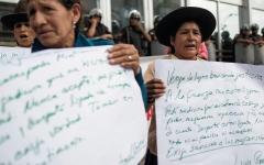 الصورة: ضحايا التعقيم القسري في بيرو يناضلون من أجل العدالة