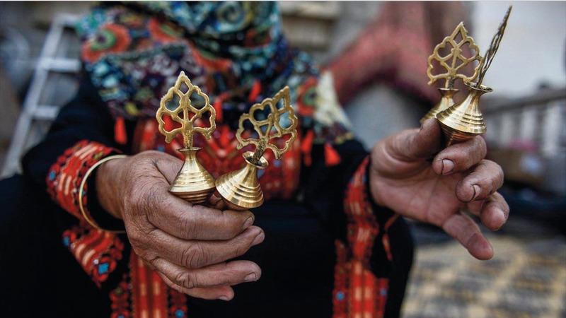 في الجزيرة العربية ظهر الكحل العربي منذ العصر الجاهلي، وهو عبارة عن حجر يأتي من المملكة العربية السعودية. أرشيفية