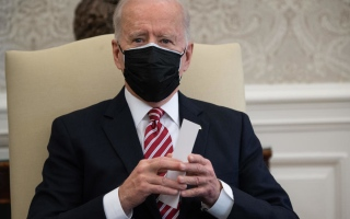 الصورة: مجلس النواب الأميركي يقر خطة بايدن لمواجهة تداعيات كوفيد-19