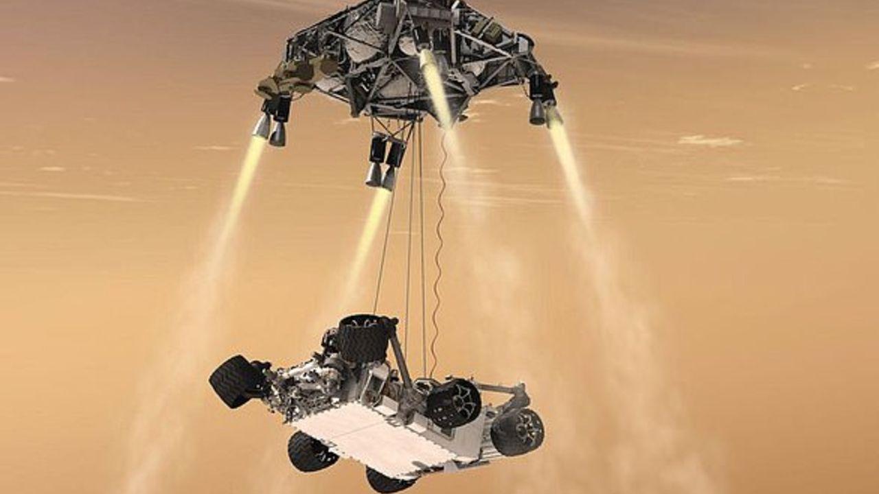 المركبة حطت على المريخ يوم الخميس بعد رحلة 239 مليون ميل وسبع دقائق من الرعب