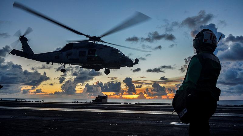حاملة الطائرات رونالد ريغان في بحر الصين الجنوبي.   رويترز