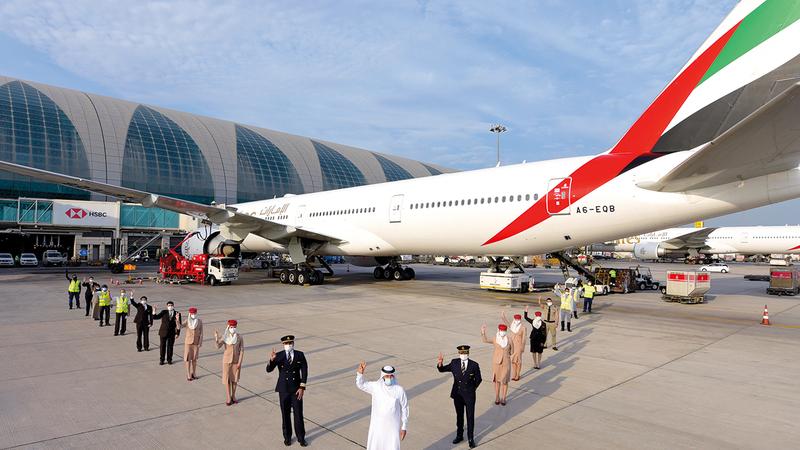 الرحلة «ئي كيه 215» أقلعت من مطار دبي الدولي متجهة إلى لوس أنجلوس.   من المصدر