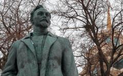 الصورة: موسكو تصوّت لإعادة تمثال رئيس البوليس السري السوفييتي