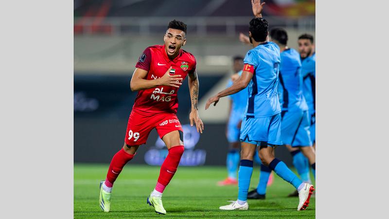 إيغور خيسوس سجل هدف شباب الأهلي بمرمى بني ياس في الدقيقة 73.  من المصدر