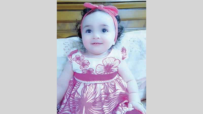 الطفلة لافين عمرها 19 شهراً.  من المصدر