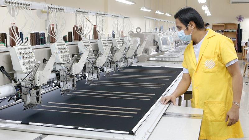 أصحاب أعمال طالبوا بمنح تسهيلات لشراء معدات المصانع.  أرشيفية