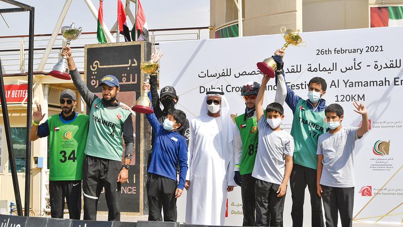 من تتويج الفائزين في سباق كأس اليمامة أمس.  تصوير: مصطفى قاسمي