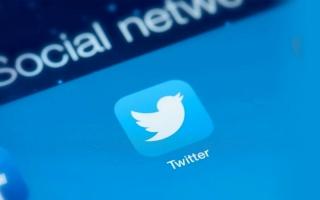 الصورة: «تويتر» تدرس إطلاق خدمات مدفوعة لتنويع مداخيلها