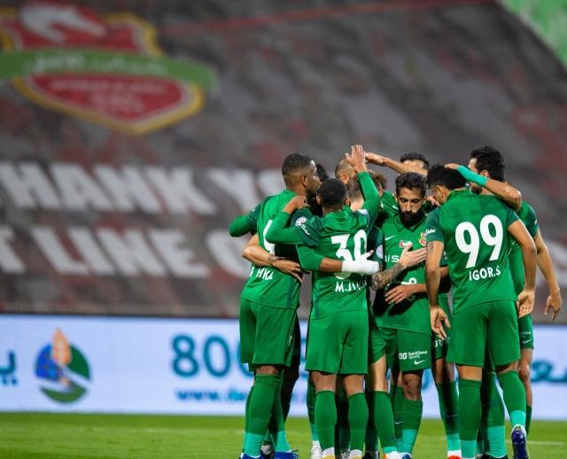 صورة بالصور.. مهدي علي ينقذ شباب الأهلي أمام خورفكان في مباراة مجنونة – رياضة – محلية