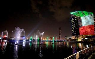 الصورة: بالصور.. معالم دبي تتزين احتفاء باليوم الوطني الكويتي