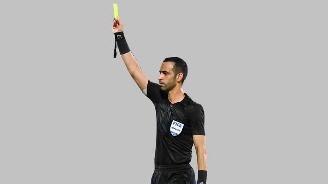 صورة الحكم الملا يخطف الأضواء في فوز بني ياس على عجمان – رياضة – محلية