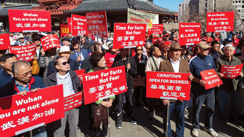 تظاهرة في تشاينا تاون بسان فرانسيسكو مساندة للصينيين حول العالم في جهودهم لمكافحة «كورونا».   من المصدر
