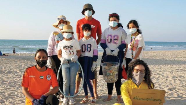 صورة «البرتقالي» يُطلق حملة لنظافة شاطئ عجمان – رياضة – محلية