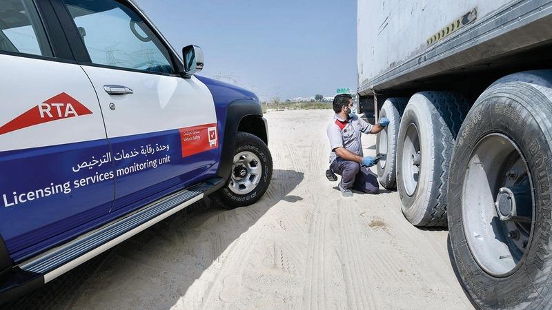 «طرق دبي» نفذت حملات على 37.6 ألف مركبة ثقيلة العام الماضي.  من المصدر