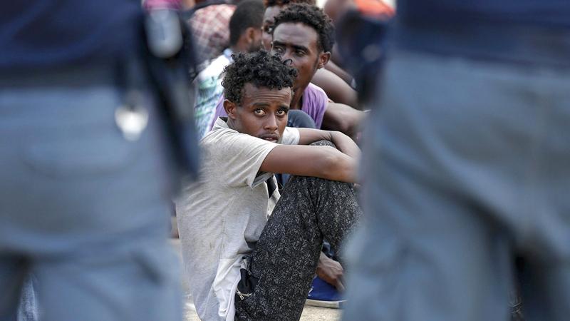 لاجئون جُدد يخشون أن يكون المستقبل مجهولاً.   رويترز