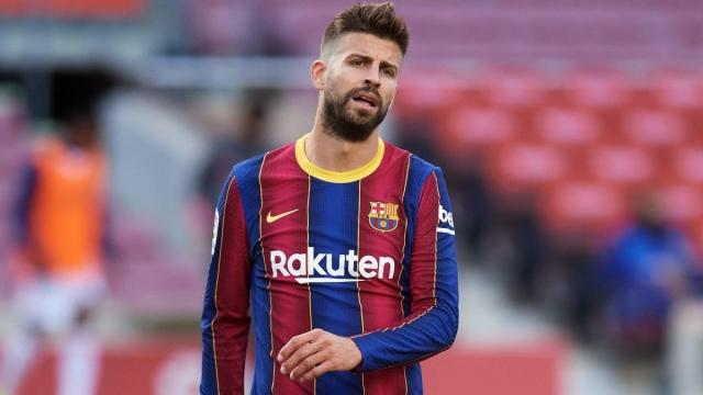 صورة قلق في برشلونة بعد إصابة بيكيه قبيل مباراة سان جرمان – رياضة – عربية ودولية