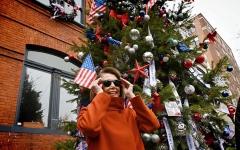 الصورة: رئيسة مجلس النواب الأميركي عارضة أزياء من حيث لا تدري
