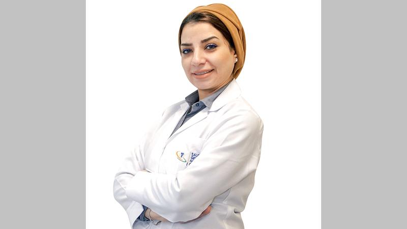 أخصائية النساء والتوليد رضوى محمد النزهي.