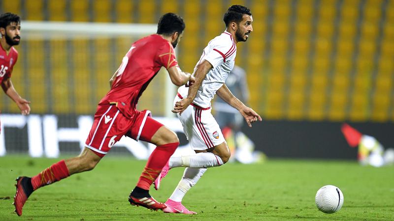 المنتخب يحتل المركز الرابع في مجموعته بالتصفيات المزدوجة قبل 4 مواجهات على تحديد المصير.   الإمارات اليوم