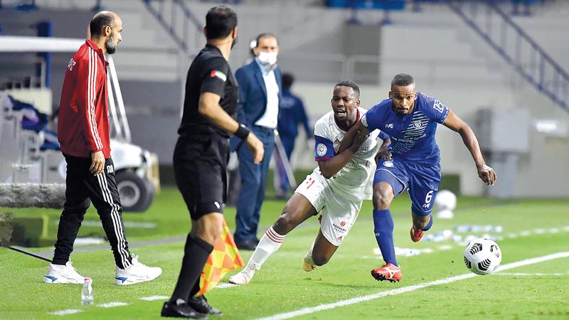 النصر هزم الشارقة حامل لقب دوري الخليج العربي بنتيجة 2-1.  من المصدر