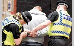 الصورة: بريطانيا موطنٌ لـ 10 آلاف مجرم أجنبي.. ينتظرون الترحيل