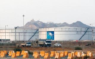 الصورة: الإمارات تدين محاولة الحوثيين استهداف خزانات بترولية في ميناء رأس تنورة وأرامكو بالظهران